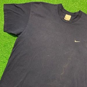 Vintage Early 2000's Nike Essential Swoosh T Shirt